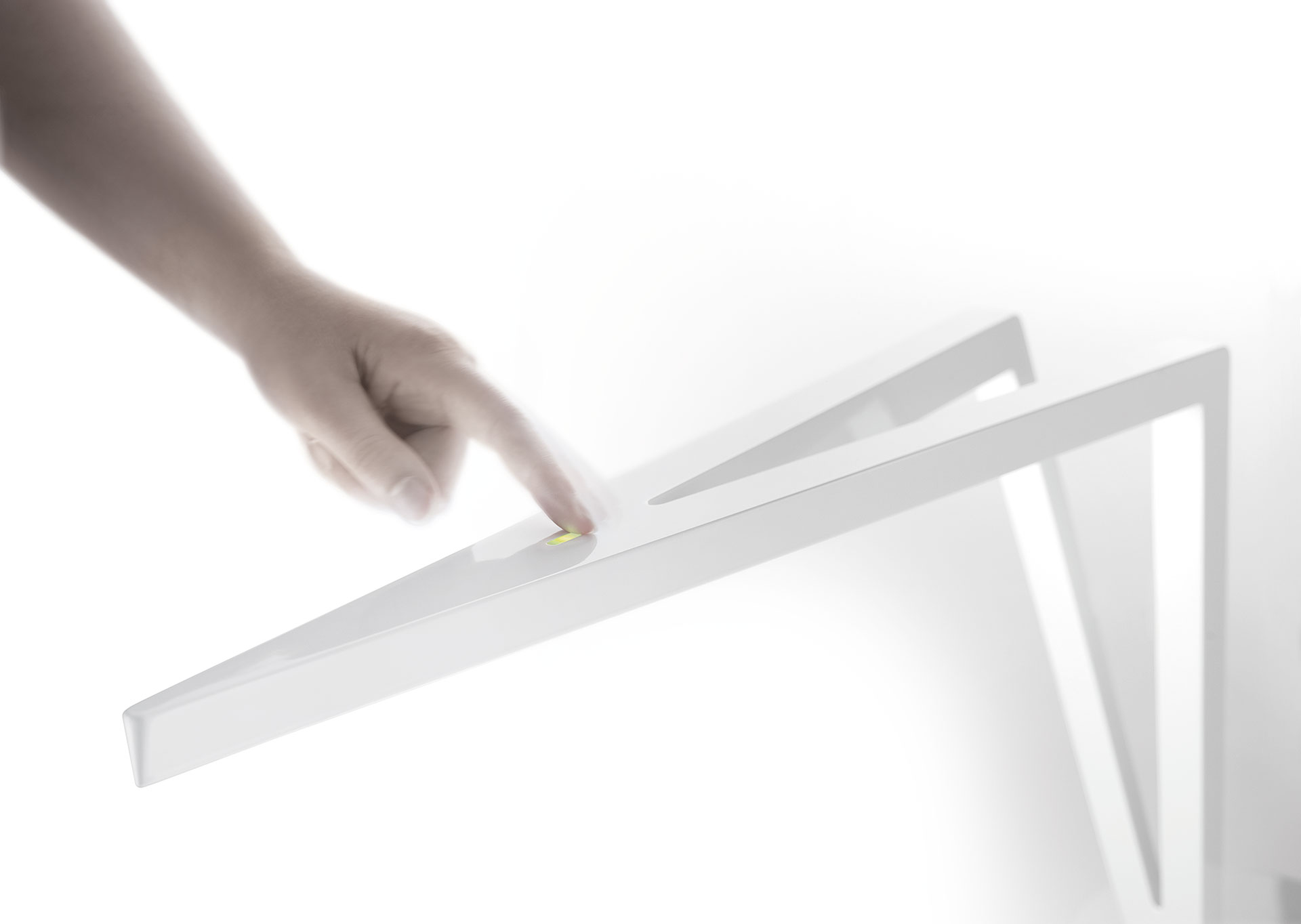Flecha - Table - Touch Dim - by Leucos